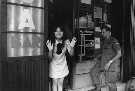 NAM IMAGES Sonka-bar-vietnam-copy